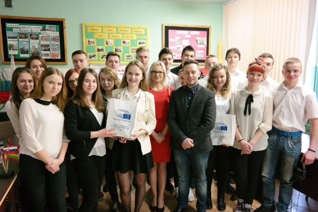 Uczniowie Zespołu Szkół w Gorzycach pojadą do Brukseli !